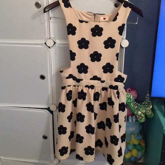 One Clothing Dresses Flower Dress Purchased At Dillards Poshmark